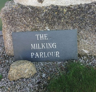 WEB Euro Milk Parlour 0339