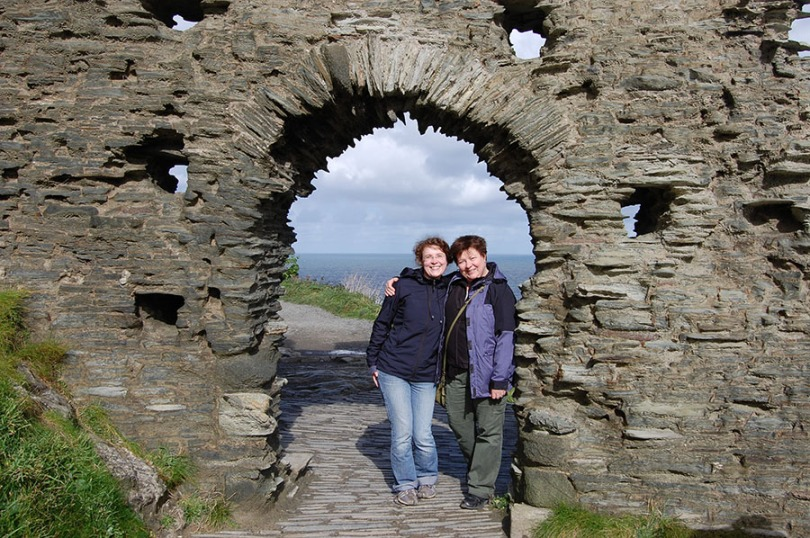 WEB S&H at Tintagel Arch 0575